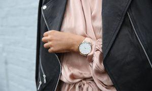 Zegarek tło, źródło: pexels.com
