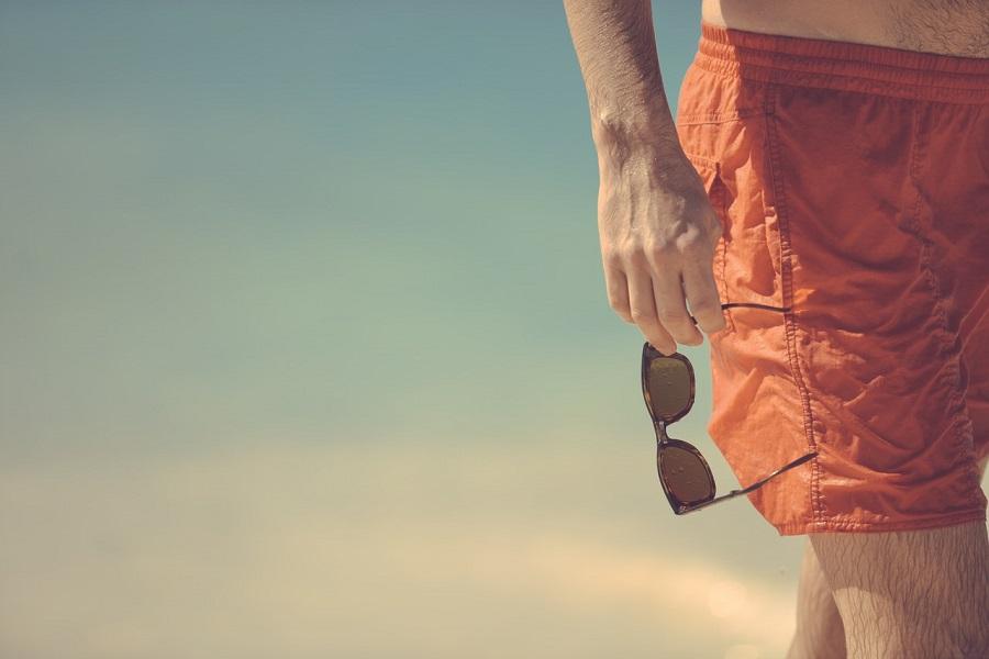 Spodenki kąpielowe męskie - przegląd (fot. pexels.com)
